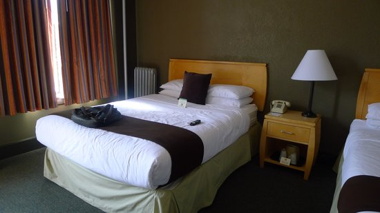 Moore Hotel : Chambre propre 