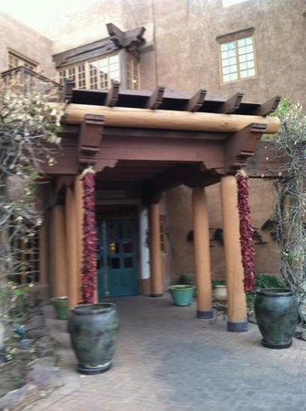 Hotel Santa Fe, The Hacienda and Spa: The front entrance