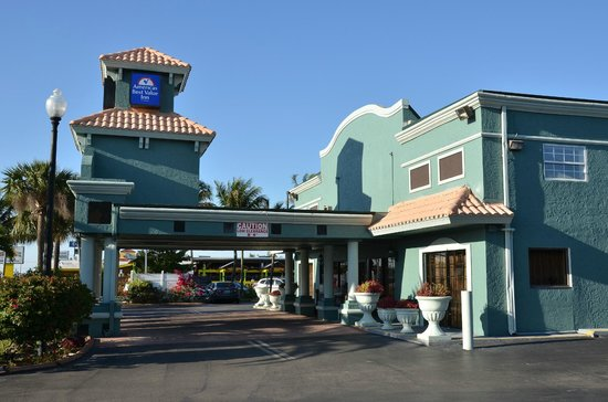 Americas Best Value Inn: Ingang motel