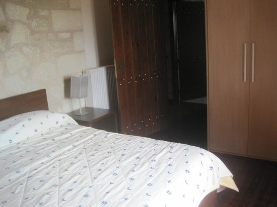 Living room with optional double bed of Villa Irena - Picture ofirena village