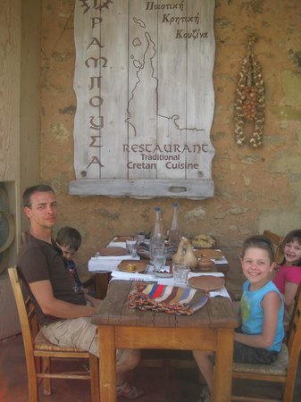 Kaliviani, Греция: Fantastic setting and great food