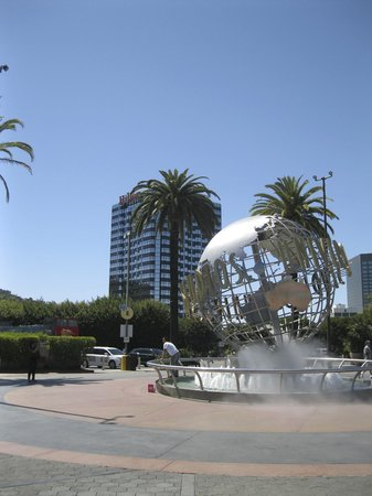 Hilton Los Angeles / Universal City: Hotel from Universal Studios.