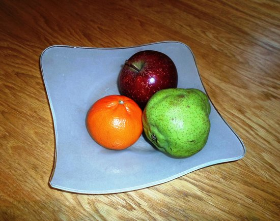 Oakley, UK: Fresh fruit in room upon arrival