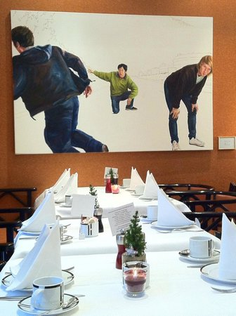 Small Luxury Hotel Das Tyrol : painting at breakfast area