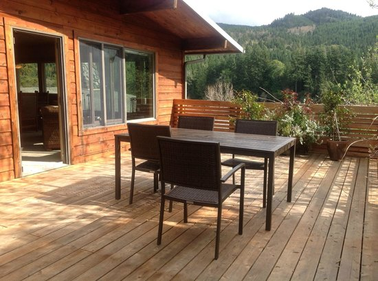 Tu Tu Tun Lodge: Very private deck