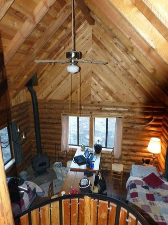 Alpine, AZ: Cabin 8 Look from the Loft