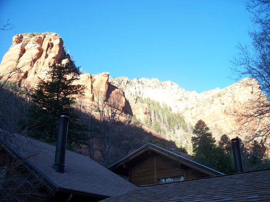 The Canyon Wren - Cabins for Two: Sunrise behind the cottages