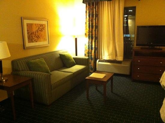 Hampton Inn & Suites Little Rock - Downtown: seating area