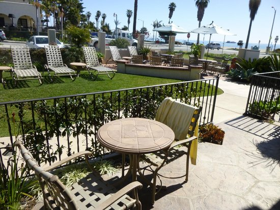 Cabrillo Inn at the Beach: My patio and the garden area