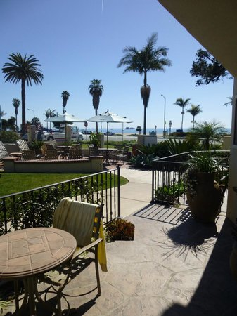 Cabrillo Inn at the Beach: View from room of the sea