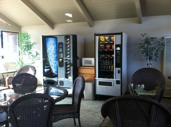 San Simeon Pines Resort: Vending machine