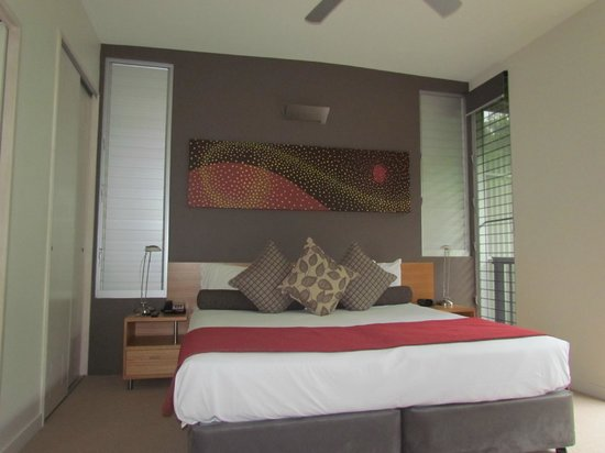 Outrigger Little Hastings Street Resort & Spa Noosa: Bed room