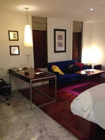 Triple Two Silom: Room-1