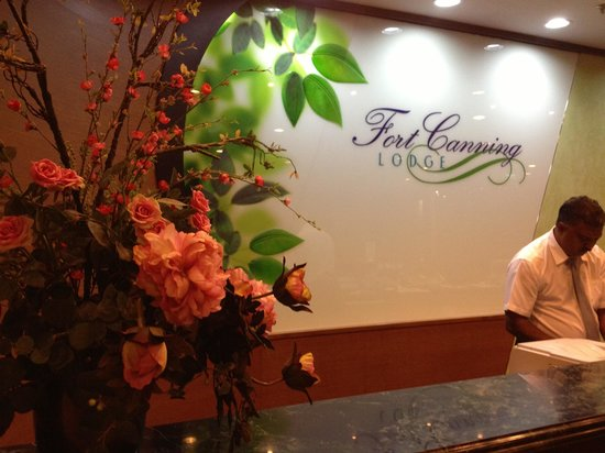 YWCA Fort Canning Lodge: The front desk