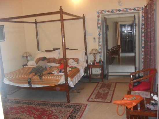 Devi Niketan: Bedroom