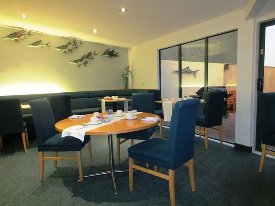 Jet Park Auckland Airport Hotel &amp; Conference Centre: Jet Park Hotel breakfast room