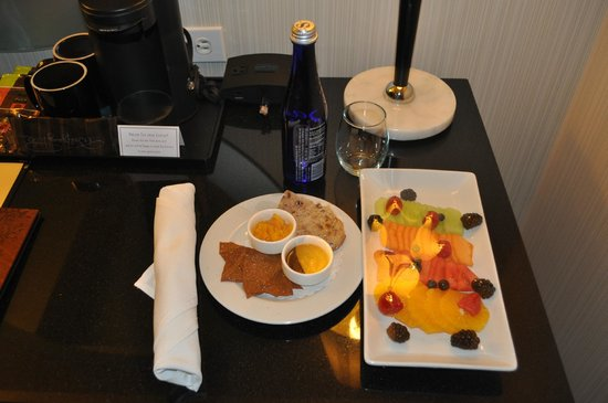 Hotel George, a Kimpton Hotel: The fruit and snacks that greeted me when I arrived at my room