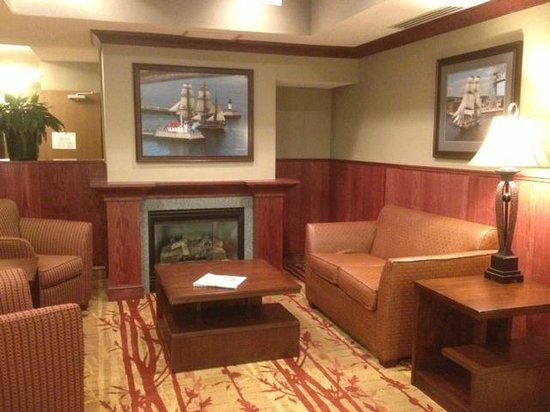Holiday Inn Express Superior: The small lobby features a maritime theme.