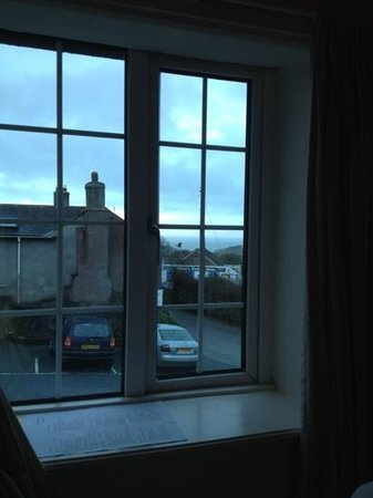 The Royal Oak Inn: sea view room 4..