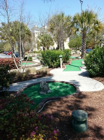 Sheraton Broadway Plantation Resort Villas: mini golf