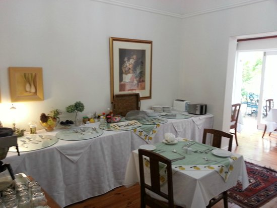 La Fontaine Guest House: Dining area