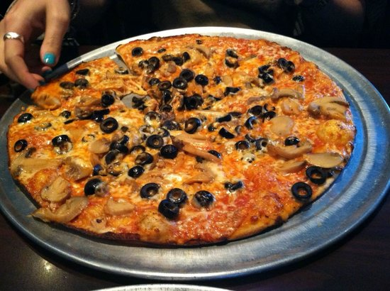 Fairfield, CT: Mushroom and black olives