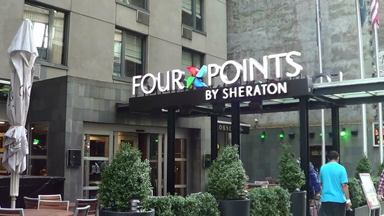 Four Points by Sheraton Manhattan Chelsea : Entrée de l'hotel