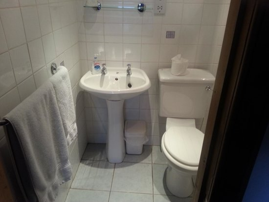 Smiths' Guest House: Spotless en suite