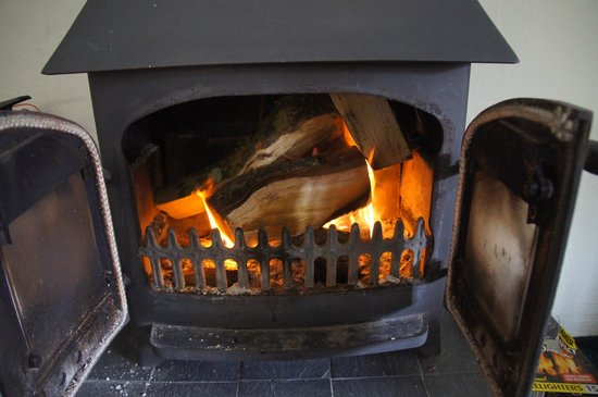 Chulmleigh, UK: Log burner