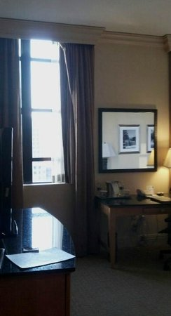 Hilton Boston Downtown / Faneuil Hall: Natural light in 1414