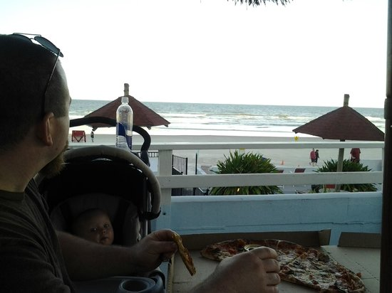 Dream Inn: We enjoyed our dinner overlooking the ocean