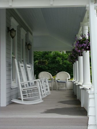 The Blue Inn At North Fork: front porch of the main building