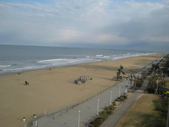 Hampton Inn Virginia Beach Oceanfront North: King Netpute View from Balcony