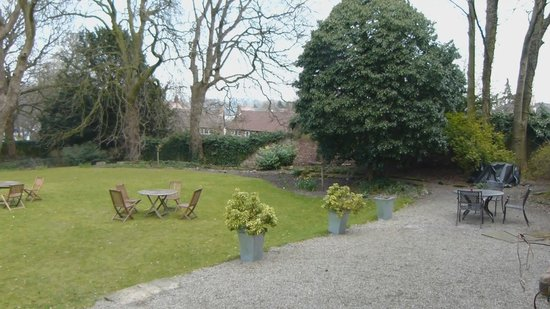 The Old Deanery: Rear Garden Area