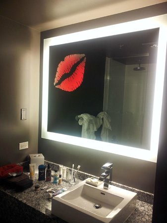 ACME Hotel Company Chicago: Lips which glow in the dark