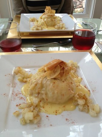 Mountain Laurel Creek Inn & Spa: Sausage & Egg in Phyllo Dough