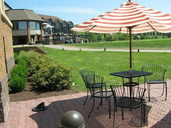 Blairsville, PA: Relax on our patio