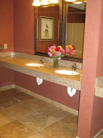 Blairsville, PA: Clean & tidy public facilities