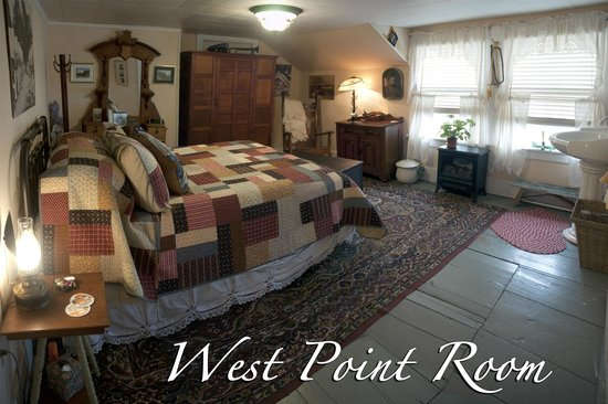 Inn At The Ridge: THE WEST POINT ROOM