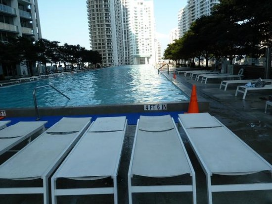Viceroy Miami: pool deck
