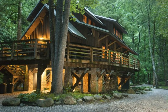 Nantahala River Lodge: The fireflies will arrive soon