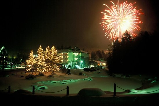 Smugglers Notch, : Weekly winter fireworks at Smugglers&#39;