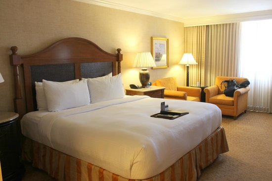 Fairmont Newport Beach: Super comfortable bed