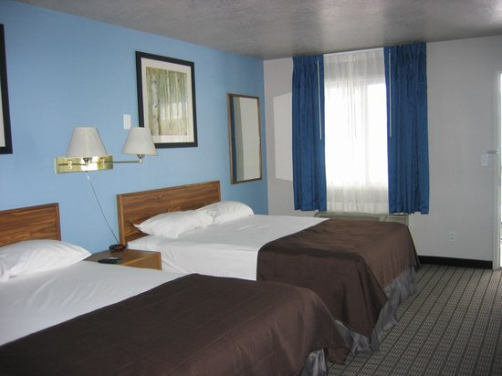 Travelodge Logan UT: Room
