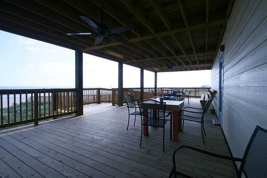 Surfside Beach, TX: 400 Building Spacious Shared Deck