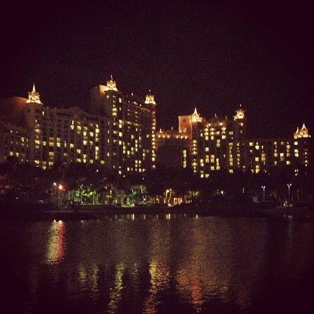 The Reef Atlantis: The Royal Tower at night