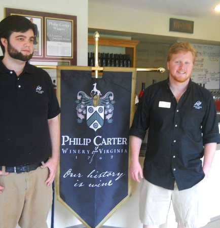 Hume, VA: Our excellent guides at Philip Carter Winery