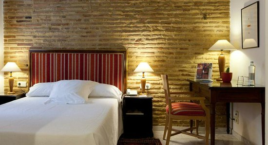 Ad Hoc Monumental Hotel