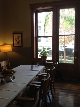 Boonville, MO: Cozy breakfast room