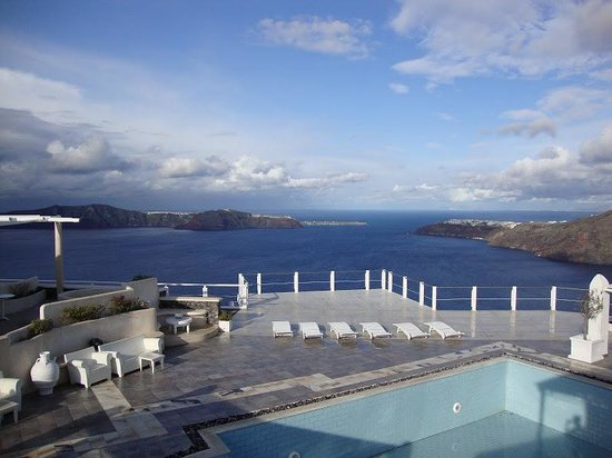 Rocabella Deluxe Suites & Spa Santorini: View from my room